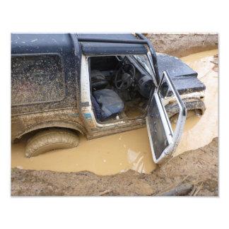 Photo print 4x4 off roader jeep stuck in mud