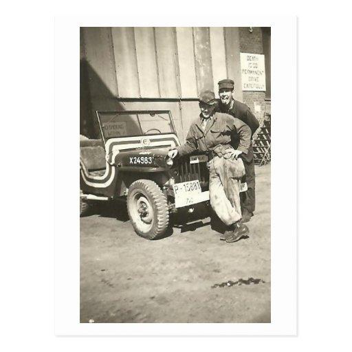 ¡PHOTOBOMB! Postal de la foto de los años 40 del v