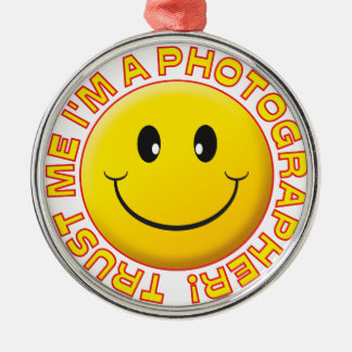 Photographer Trust Me Smiley Silver-Colored Round Decoration