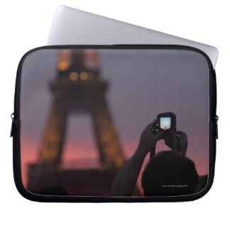 Photographing the Eiffel Tower with a smartphone Laptop Sleeve