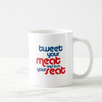 Pia su carne y pierde su asiento taza