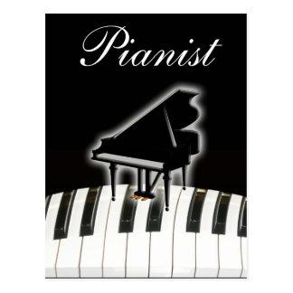 Pianista y teclado postal