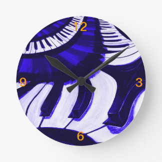 Piano Hwy Round Clock