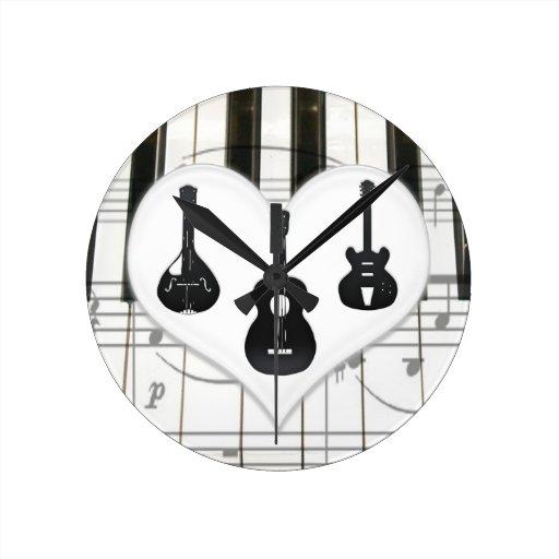 Piano Keayboard y reloj del corazón de las guitarr