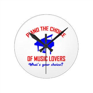 Piano lovers design round clock