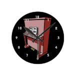 piano vertical magnífico con music.png reloj