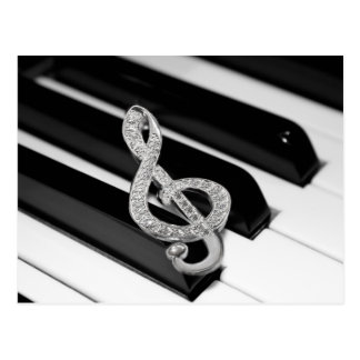 Piano y música Gclef Postal