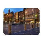 Piazza Del Campo en la oscuridad, Siena Imán Flexible
