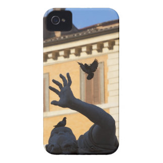 Piazza Navona Bernini fountain statue, pigeon in Case-Mate iPhone 4 Cases