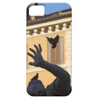 Piazza Navona Bernini fountain statue, pigeon in iPhone SE/5/5s Case