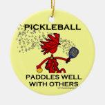 Pickleball se bate bien con otros adorno de navidad