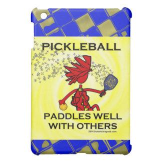 Pickleball se bate bien con otros