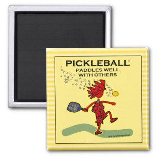 Pickleball se bate bien con otros iman de nevera