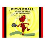 Pickleball se bate bien con otros postal