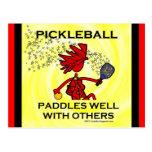 Pickleball se bate bien con otros postales
