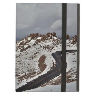 Pico de los lucios Nevado del camino de la montaña