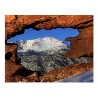 Pico de los lucios visto con la formación de roca tarjetas postales
