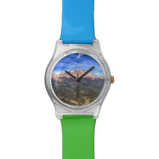 Pico de los lucios y cielo azul relojes de pulsera