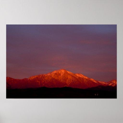 Pico del este de San Bernardino en el poster de la