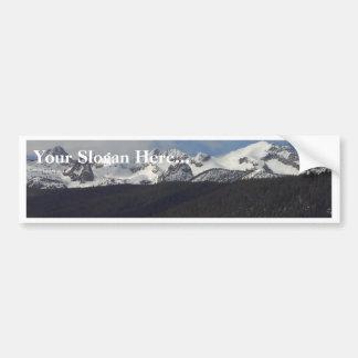 Picos de la nieve de las montañas del diente de si pegatina para auto