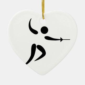 Pictograma de cercado competitivo y olímpico adorno navideño de cerámica en forma de corazón