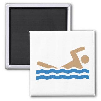 Pictograma del icono de la natación en color imán cuadrado