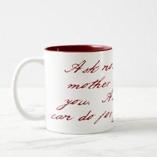 Pida no… Rojo de la taza del Dos-Tono del día de