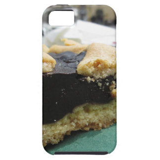 Piece of chocolate cake on green paper napkin iPhone SE/5/5s case