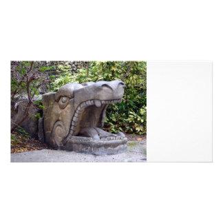 piedra abierta de la boca de la estatua del dragón plantilla para tarjeta de foto