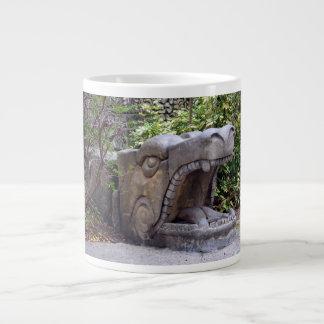 piedra abierta de la boca de la estatua del dragón tazas jumbo