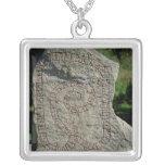 Piedra de la runa fuera del castillo de Gripsholm Joyerias Personalizadas