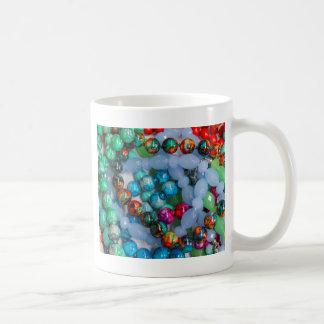 piedras coloreadas taza de café