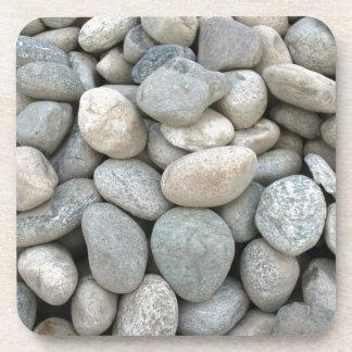 piedras de la construcción en la mina posavasos de bebidas