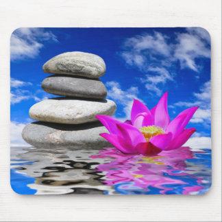 Piedras de la roca de la terapia y flor de Lotus Tapetes De Ratones
