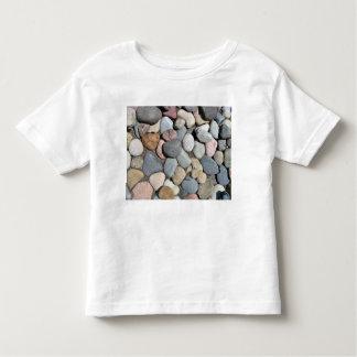 Piedras decorativas coloridas del guijarro tee shirts