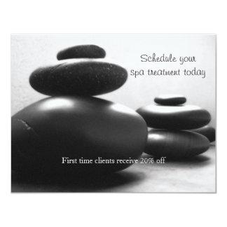 Piedras del masaje invitación 10,8 x 13,9 cm