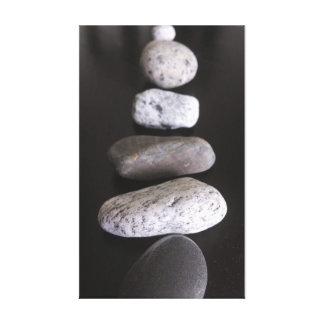 Piedras del río lienzo envuelto para galerías