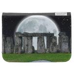 Piedras derechas célticas de Stonehenge y Luna