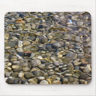 piedras en el agua alfombrillas de ratones