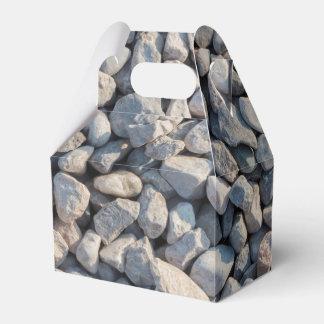 piedras rocosas caja para regalos de fiestas