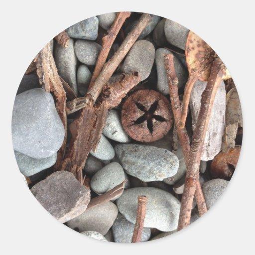 Piedras y composición de los palillos etiquetas redondas