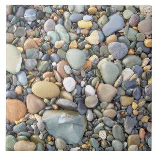 Piedras y rocas coloridas tejas