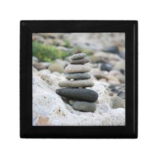 Piedras zen en la playa de Almería Joyero Cuadrado Pequeño