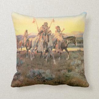 Piegans - almohada de MoJo del americano Cojín Decorativo