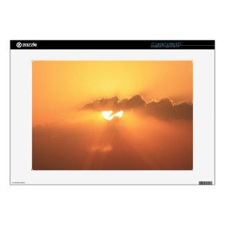Piel anaranjada de Zazzle de la puesta del sol de  Portátil 38,1cm Skins