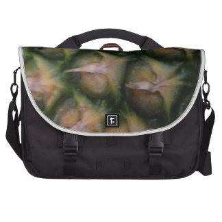 Piel de la piña bolsas para portatil