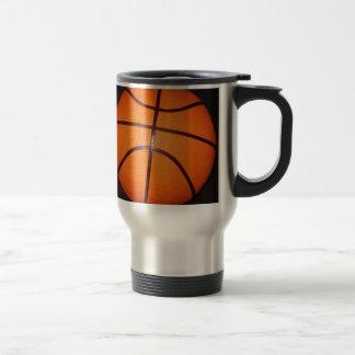 Piel de la textura del primer del baloncesto taza térmica