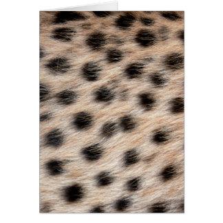 piel del guepardo o plantilla manchada negro de la tarjeta de felicitación