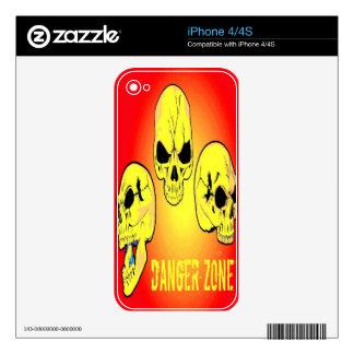 Piel del iPhone 4 del cráneo de la zona peligrosa Calcomanías Para iPhone 4