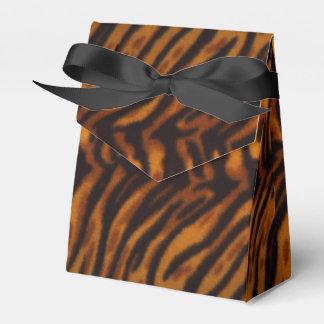 Piel del tigre o plantilla rayada negra de la cajas para regalos de fiestas